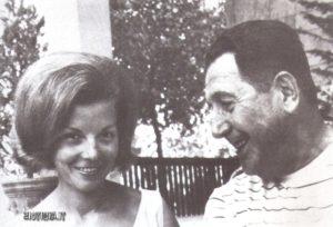 Juan Domingo Peròn con la sua nuova moglie Isabelita, in esilio a Madrid.