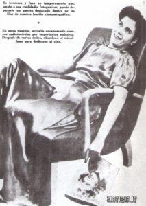 Evita all'epoca in cui faceva l'attrice-in un servizio fotografico pubblicato da una rivista.